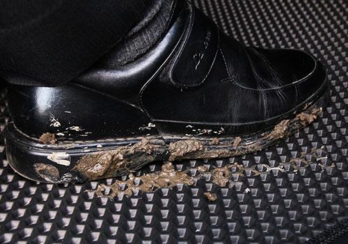 汽車腳踏墊特色-防汙刮泥